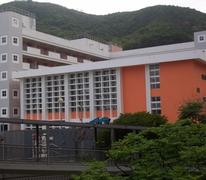 東華三院周演森小學 Tung Wah Group Of Hospitals Chow Yin Sum Primary School