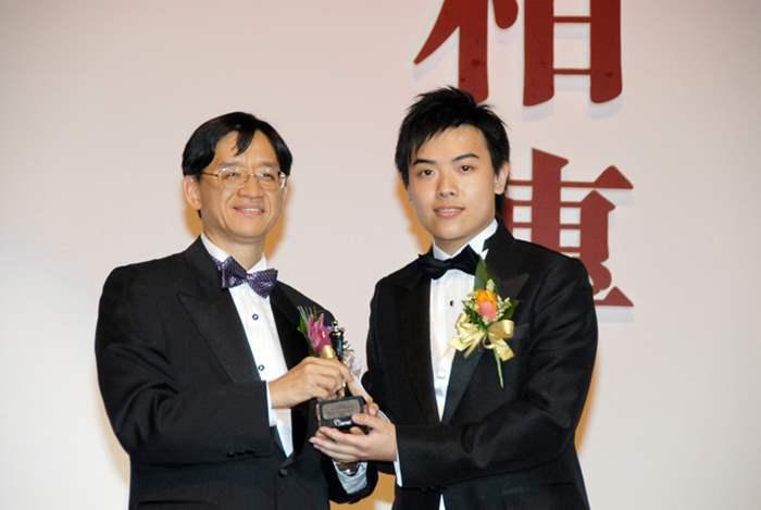 參選「傑出青年推銷員」的黃永琛憑著口才了得及靈活性高兩大優勢,成功躋身最後5強,成績超凡。