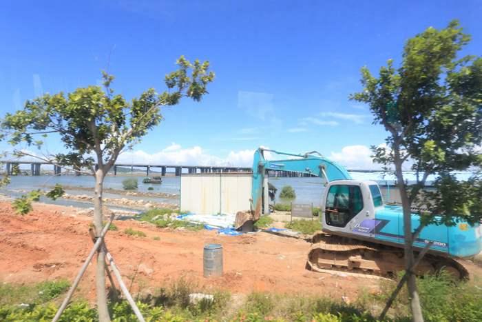 現時前海中港合作區正進行綠化及道路優化工程。