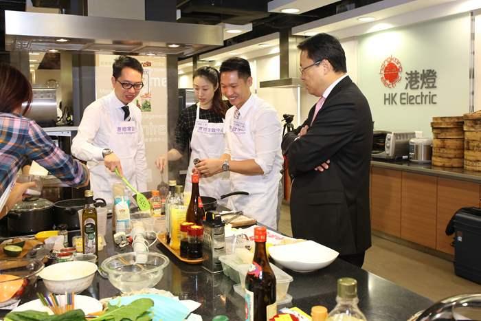 中原地產亞太區總裁黃偉雄先生擔任評審之一。