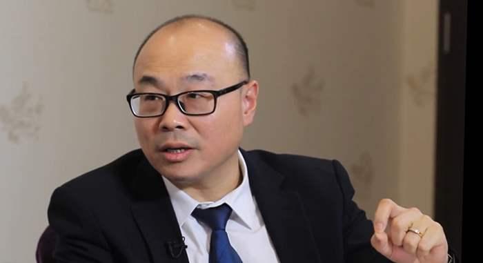 蔡先生同時兼任地產代理及投資者兩職,大談投資香港物業比海外好的精闢見解