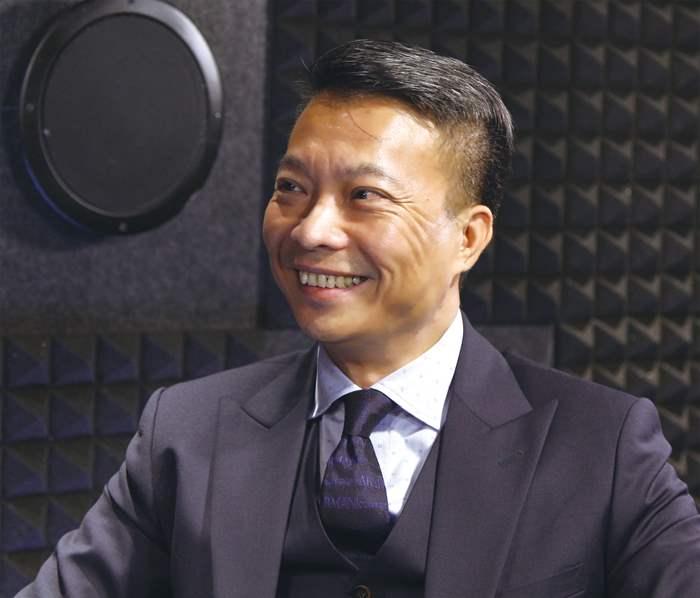 主持人潘志明先生訪問嘉賓旗下住宅項目-薈朗的成功原因並對住宅後巿的看法