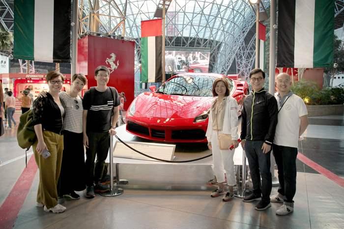 今年的籌委會成員於Ferrari World 合照。