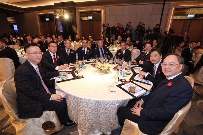 中原派出各部門要員赴會。