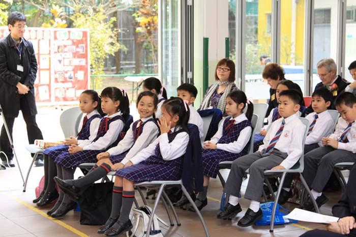 部份學生亦有參與開幕禮