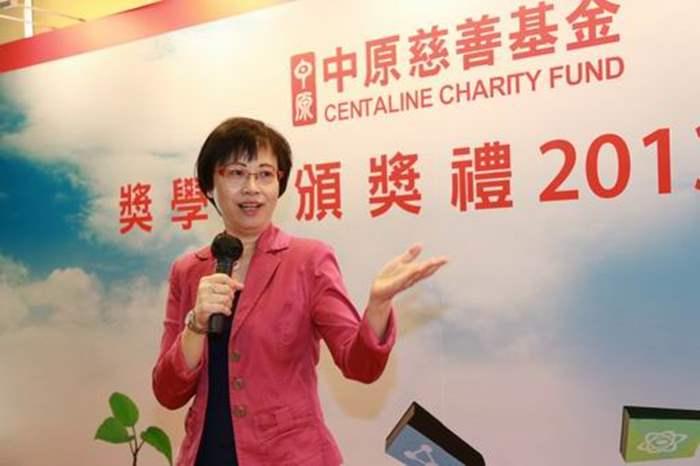 教育局副秘書長葉太勉勵同學做學生要有好態度,將來投身社會要恪守行業操守。