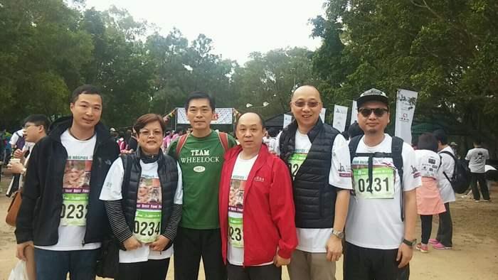主禮嘉賓會德豐地產(香港)有限公司常務董事黃光耀先生與中原精英會隊伍合照。