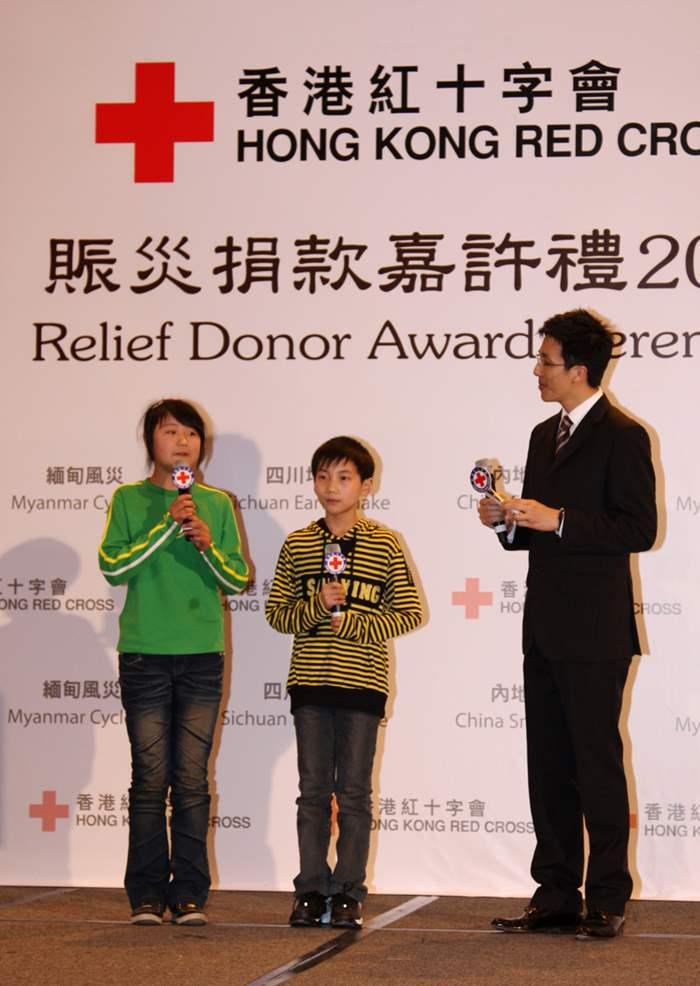 曾於賑災期間作義工的四川學童分享感受。