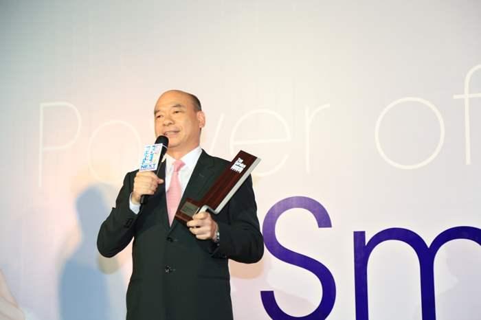 亞太區住宅部總裁陳永傑先生代表中原,上台分享得獎感受。