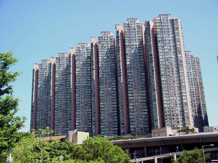 盈翠半島中層410萬元易手 呎造高達6250元