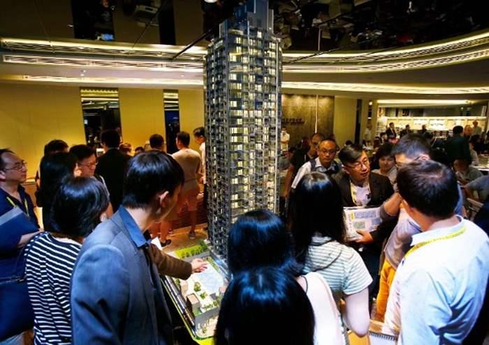 翰林峰連沽3伙 最高呎價近3.6萬元
